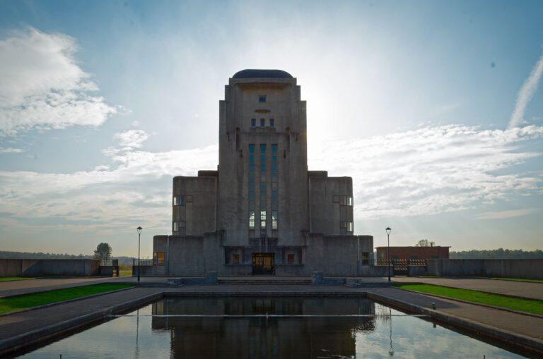 De voorzijde van Radio Kootwijk