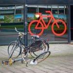 Kapotte fietsen op de Uithof voor fietsenstalling