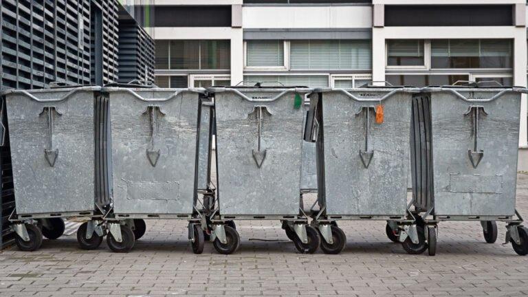 Opgeruimd staat netjes: vuilcontainers op de Uithof in Utrecht