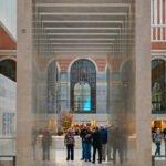 De kaartjescontrole in het vernieuwde Rijksmuseum